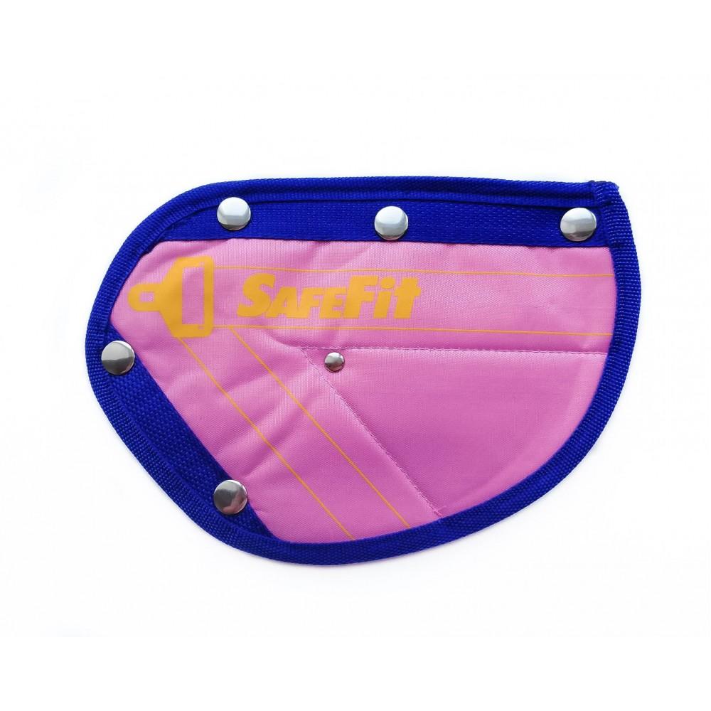 Детское удерживающее устройство ФЭСТ SafeFit, треугольник адаптер ремней безопасности pink