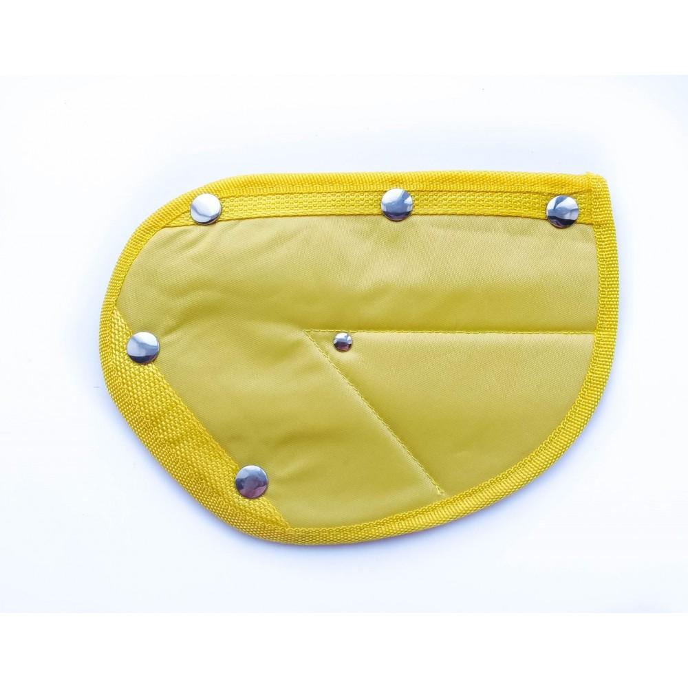 Детское удерживающее устройство ФЭСТ SafeFit, треугольник адаптер ремней безопасности yellow