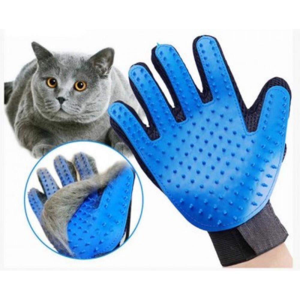 Перчатка для вычесывания шерсти домашних животных True Touch 1260